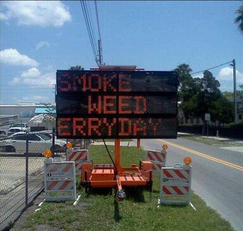 sign-hacks-weed