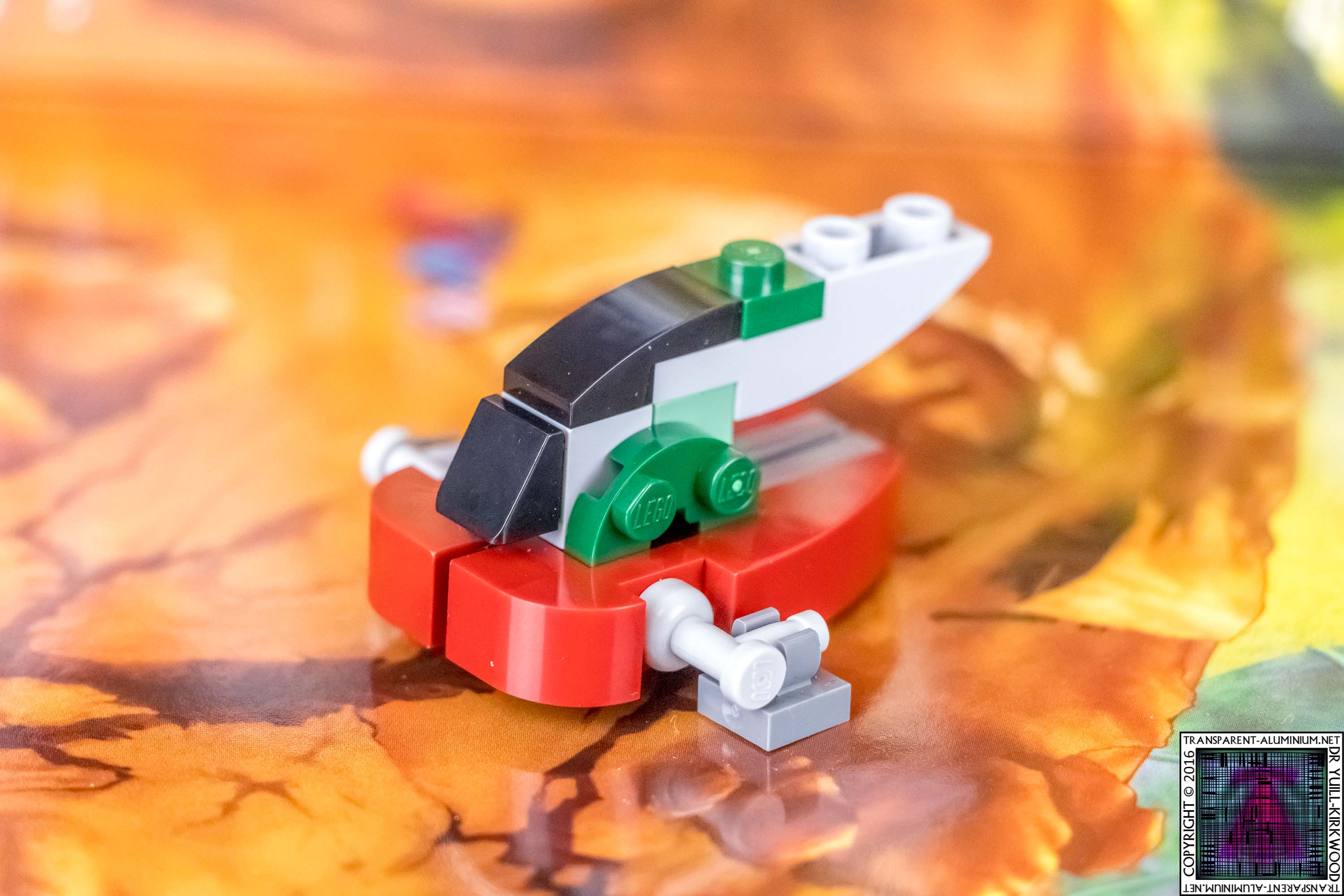 lego-star-wars-advent-calendar-day-01-minikit-75146